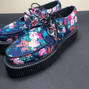 Tuk Floral Shoes.